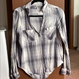 Mudd V Neck Gray and Lilac Plaid Top